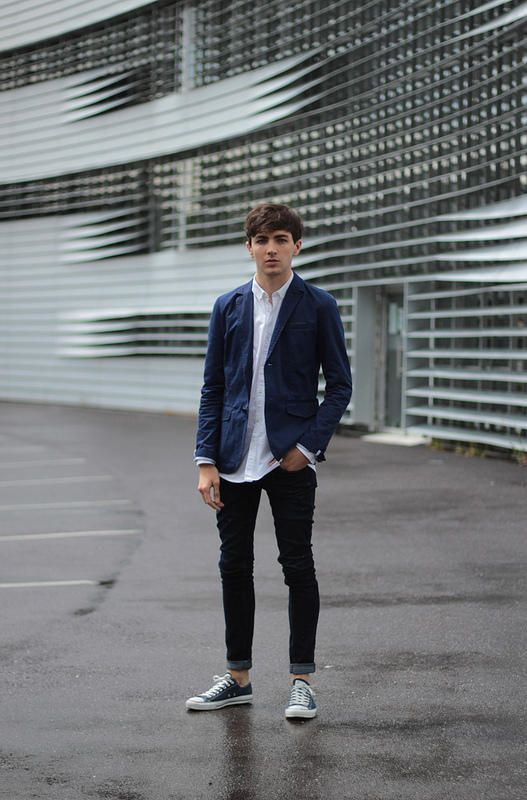 藍色外套+白色襯衫