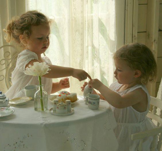 Resultado de imagen de hora del té niños
