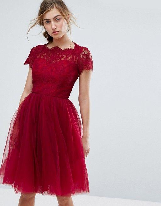 Chi Chi London Chi Chi London Midikleid Aus Tull Mit Schnurung Hinten Ausgefallene Outfits Kleid Hochzeitsgast Kleid Spitze
