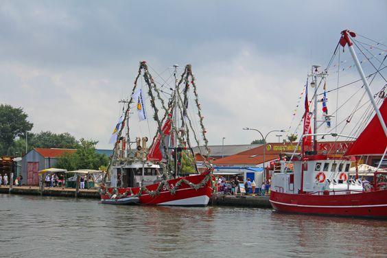Kutterregatta Büsum -  das maritime Erlebnis auf der Wasser! Die 112. Büsumer Kutterregatta-Tage findet vom 31.07.-02.08.2015 statt. Seid dabei! #kutterregatta #buesum