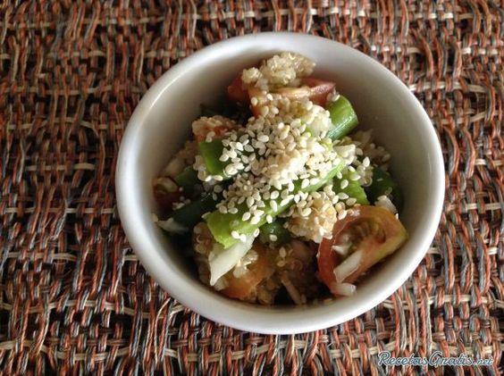 Aprende a preparar quinoa con verduras con esta rica y fácil receta. Para empezar a realizar nuestra receta de quinoa con verduras el primer paso es prealistar todos...