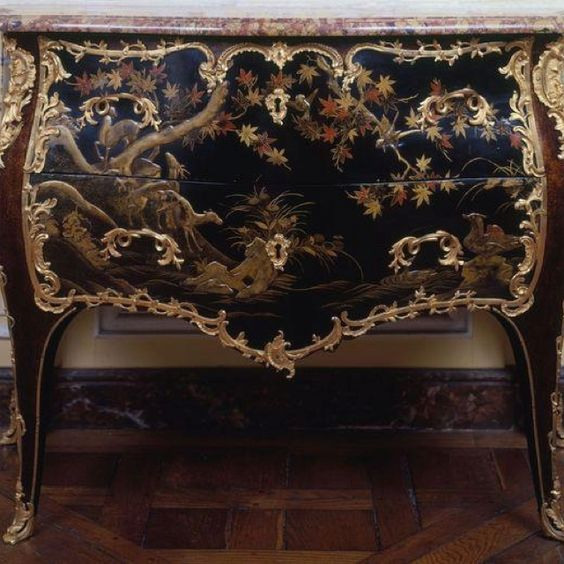 Fabulous Chinoiserie Cabinet, 18th Century, French Lacquerwork was