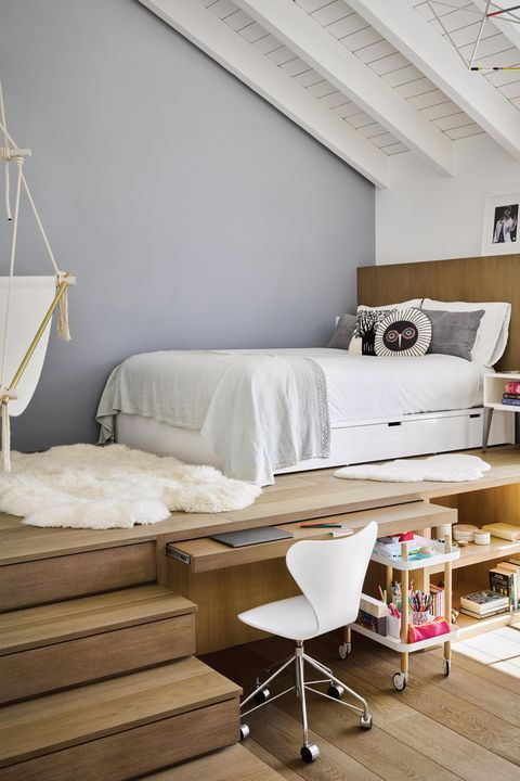 Unique Kids Room With Elevated Bed Loft Room Unique Kid Rooms