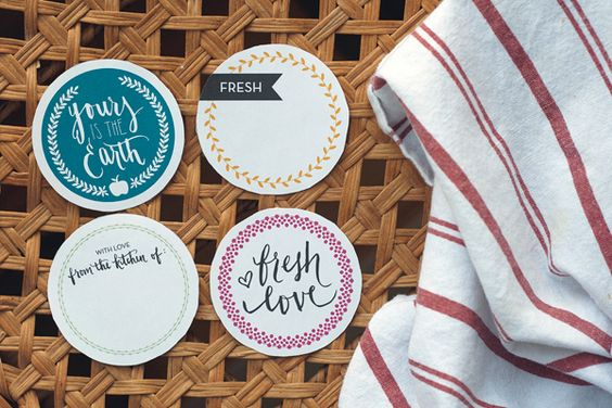 Free printable labels for mason jar tops that can be used for anything.