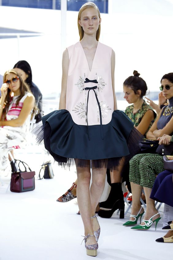 Delpozo Spring 2016 Ready-to-Wear Fashion Show - Charlotte Lindvig
