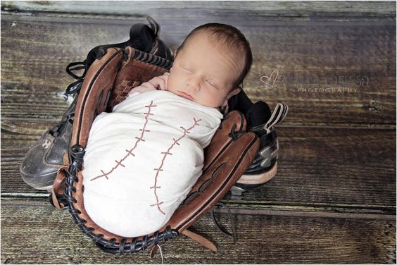 Cute idea for boy newborn pictures.
