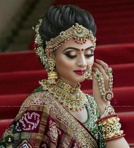 Indianweddinghairstyles Indian Wedding Hairstyles Aishwarya Rai Indian Bridal Hairstyles Bridal Makeup Looks Indian Bridal Makeup