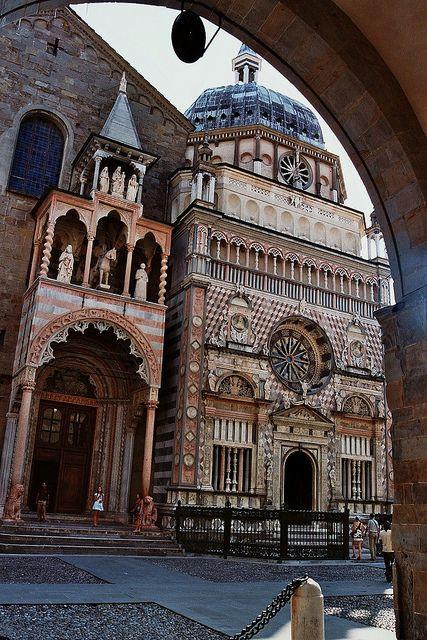 Chapelle Colleoni, piazza del Duomo, Bergame, Lombardie, Italie. | Flickr: Intercambio de fotos
