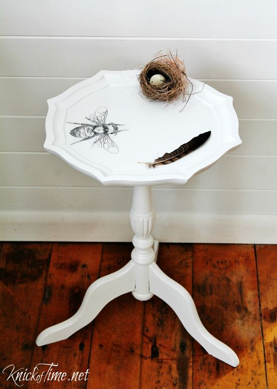 Plant Stand Makeover - Bee Image Transfer via KnickofTime.net