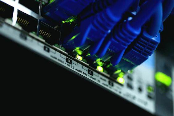 Hosting Çeşitleri Nelerdir? Kafa karışıklığına son vermek için hosting çeşitleri hakkında sizi bilgilendirici bir yazı. Daha kolay karar verebilmek için bu makaleyi okuyabilirsiniz.