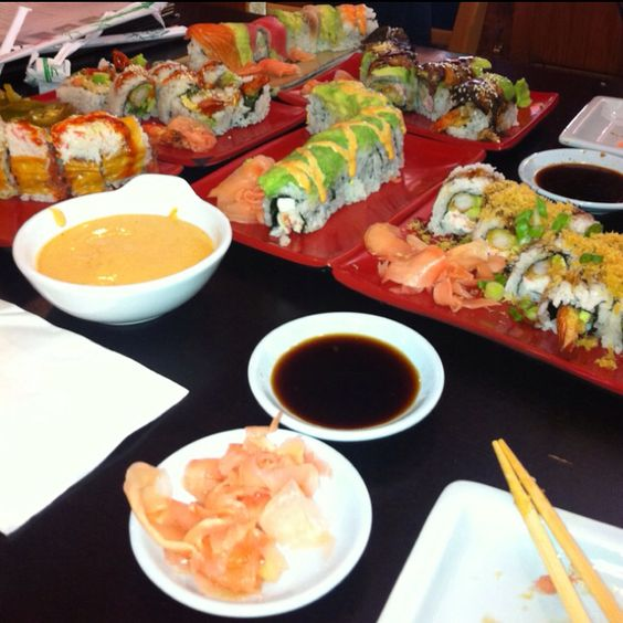 i want sushi soooo bad, does anyone want to go get some with me? :p
