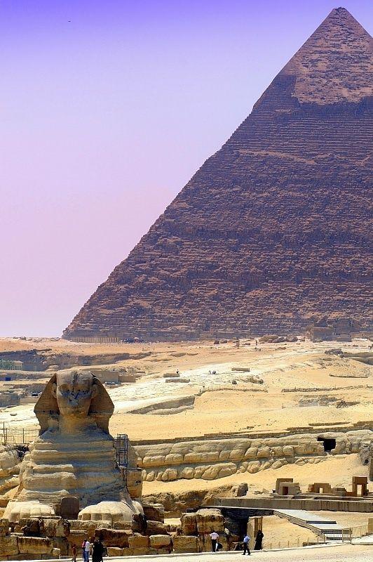 pyramid of giza ; egypt .                                                       …