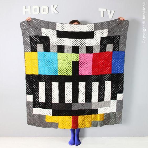 Hooklook, le crochet c'est tendance ! Pixel plaid http://hooklookblog.blogspot.fr/