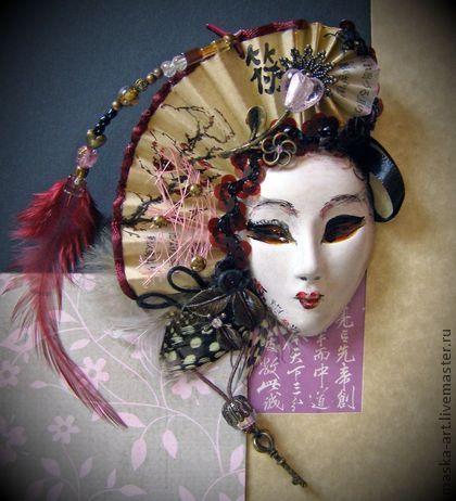 """Интерьерные  маски ручной работы. Ярмарка Мастеров - ручная работа Маска """" Ключ к сердцу Гейши"""" на магните. Handmade."""
