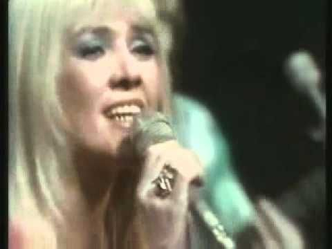 Sally Carr &  Middle Of The Road  - SOLEY SOLEY ( TOTP )