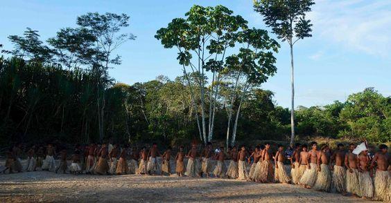Índios celebram estilo de vida com festival em reserva no Acre - BOL Fotos - BOL Fotos