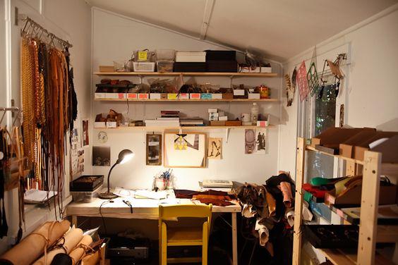 Estudio de diseñadora de joyas y accesorios -Annie Costello Brown-