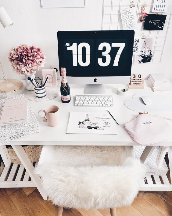 pink and white desk / parisian decor