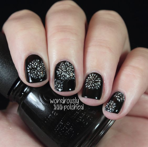 Amazing Black and White Nail Designs 15 Unique Nail Art Ideas You Will Love
