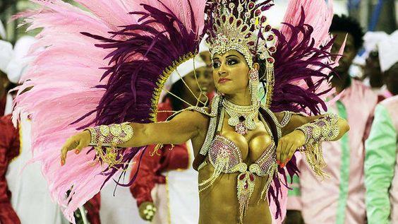 2013 Rio Carnaval  > Facebook: Cassius Almeida Azevedo