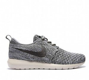 new arrival c0dbb d0e6d Pin by sethenissac on SNEAKERS   Pinterest   Nike, Zapatos and Roshe run