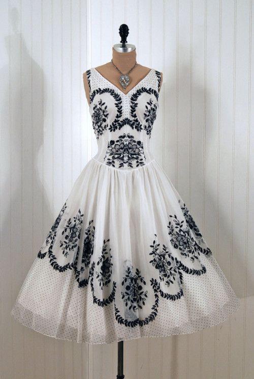 Cutest vintage dress ever!