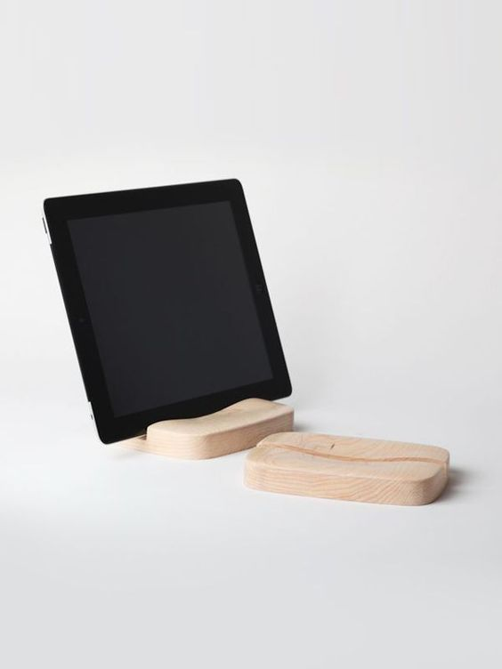 Sila For iPad by Pana Objects on Guruwan.com | A wooden stand, compatible with iPad and tabletMaterial : Maple wood