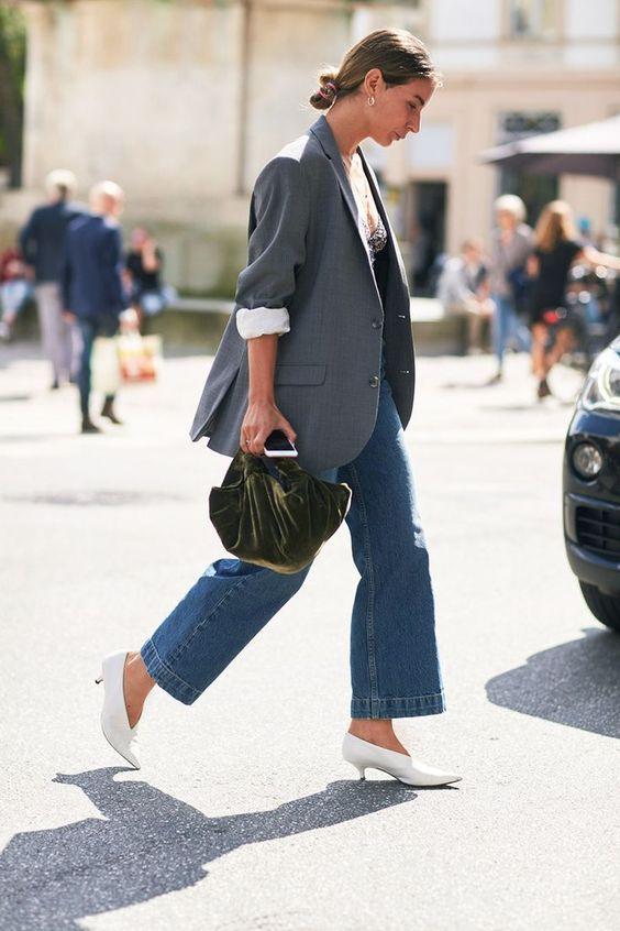 Bastoni di fashion 50+: È lei LA giacca da (r)indossare a inverno e non abbandonare più. Come abbinarla? effettivamente sarà una moda in quest'inverno 2017-2018
