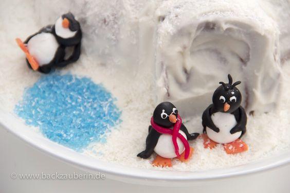 Die Pinguine sind fertig. Das Rezept für die Iglutorte mit Pinguinen gibt es auf meinem Blog www.backzauberin.de/kuchen-torten/iglutorte-mit-pinguinen