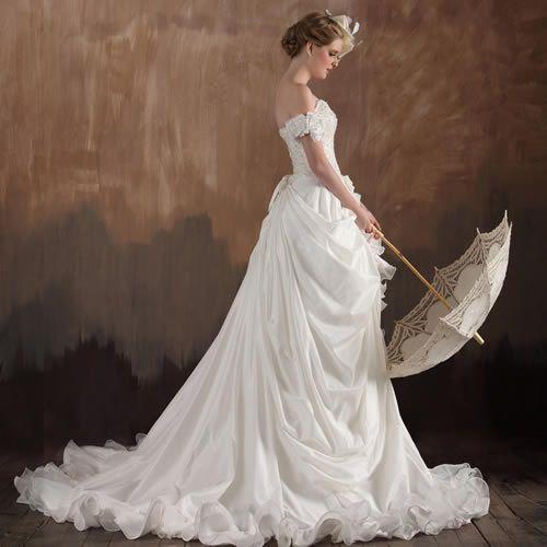 Vintage wedding dress -art -decor www.vintagemaya.com - ❦ ❦ A ...