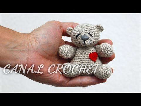 osito amigurumi tutorial - YouTube ༺✿Teresa Restegui http://www.pinterest.com/teretegui/✿༻