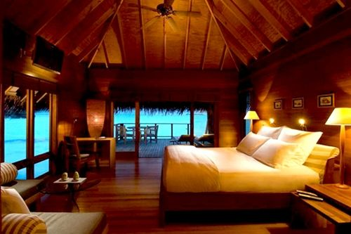 Google Image Result for http://obsit.com/wp-content/uploads/2011/06/Beautiful-and-Exotic-Bedroom-Ocean-Panoramic-View5.jpg