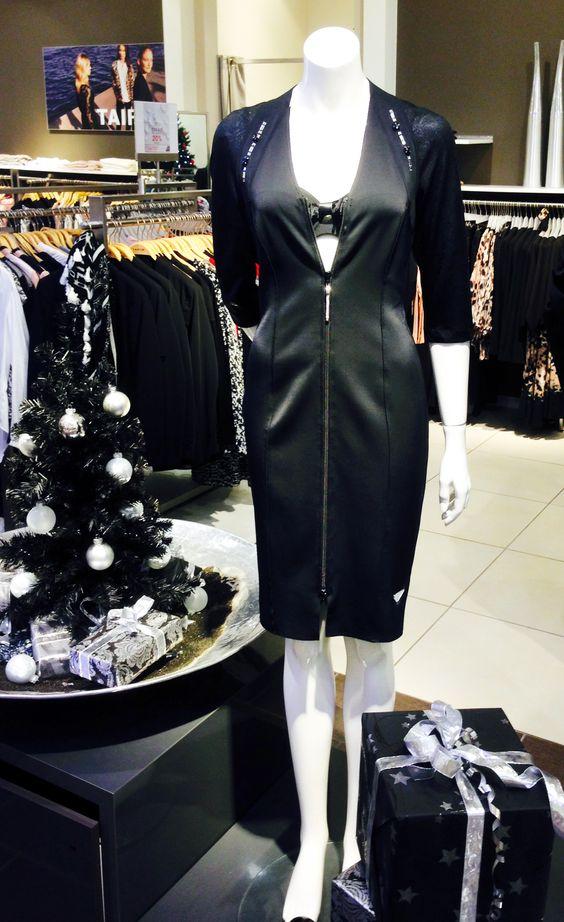 Outfit der Woche! Stretchkleid mit durchgehendem Reißverschluss und Strass: Sportalm – BH: Marie Jo L'Aventure #fashion #ootw
