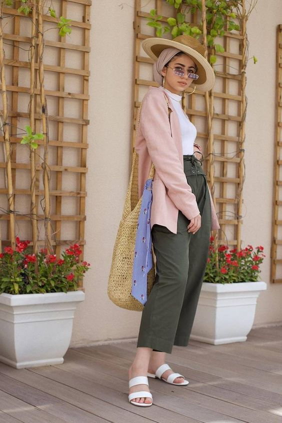 The Modest Outfits For Summer Every Modest Girl Swears By | Who What Wear