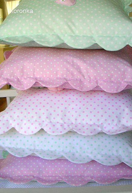 m-koronka.blogspot.com by koronka-m, via Flickr..Scalloped edges sewn onto pillow cases..great idea!