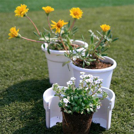 植え替え時に「パカッ」と割れる!移植がカンタンになるプランター「Re-flowerpot」
