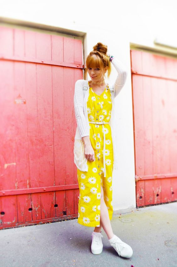 Vintage Outfit: Little Miss Sunshine - Spark and Bark  #berlin #vintage #secondhand #fashion #streetstyle #blogger #fashionblogger #yellow #dress #flowers #ootd #outfit