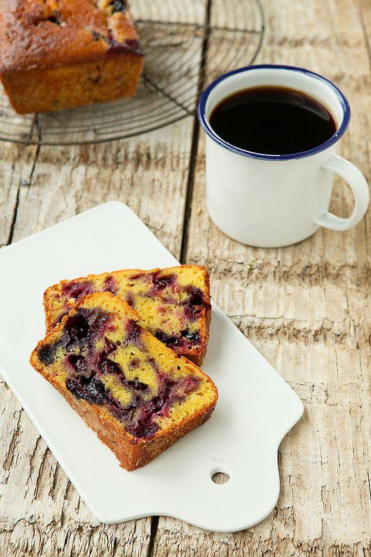 Photo-copy: Dag 39: Sappige yoghurtcake met blauwe bes.