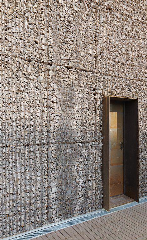 residential gabion exterior Gino Guarnieri Architects, Studio Roberto Mascazzini Architetto