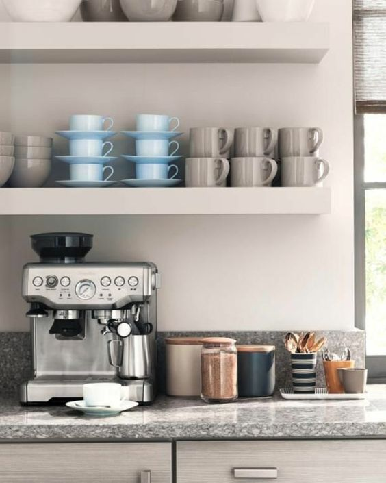 stylische italienische Espressomaschine für Ihre Küche