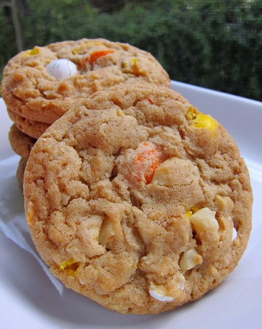 White Chocolate Macadamia Nut Cookies - the secret ingredient makes all the difference!