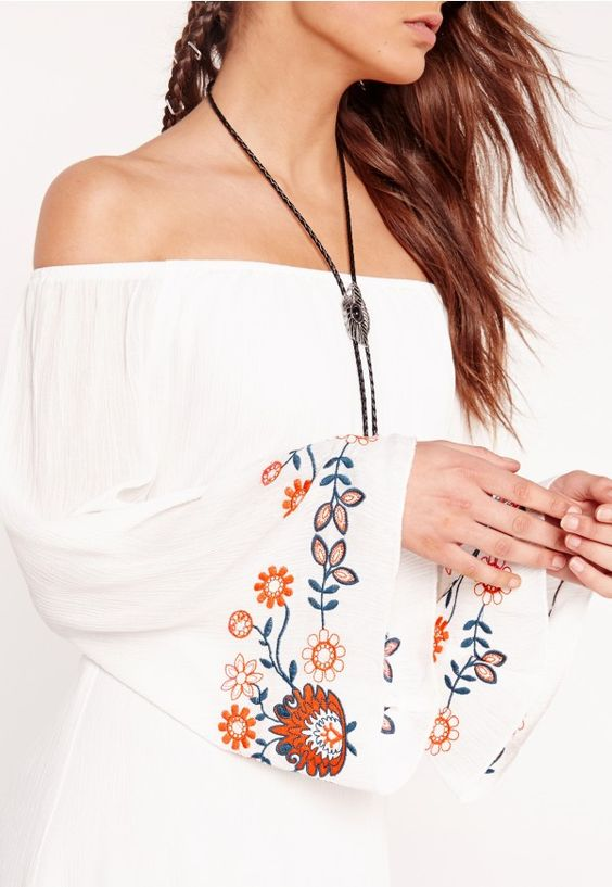 We're crushin' on all things embroidered RN here at Missguided and this white hot piece is a oerfect way to showcase the trend. Featuring a bardot neckline and a double layer design, this is a summery fave. Style with a pair of heeled sanda...
