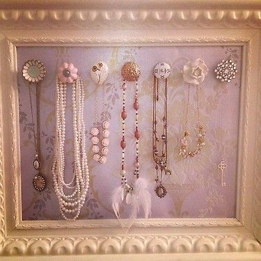 beautiful necklace frame. courtesy of Elle Fowler