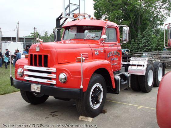 Antique International Harvester Semi Tractor : International harvester truck r series