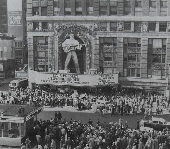 Estreno de la película  Love Me Tender, Nueva York, 1956.