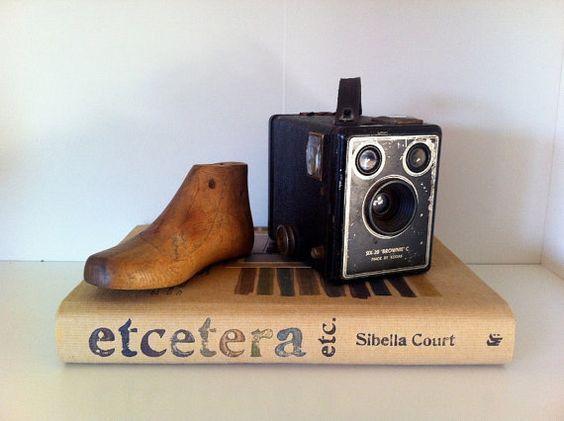 Vintage Camera Kodak Six20 Brownie von LittleFleaVintage auf Etsy, $30,00