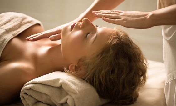 What To Do Before & After Your Reiki Session For Optimal Energetic Healing - mindbodygreen.com: