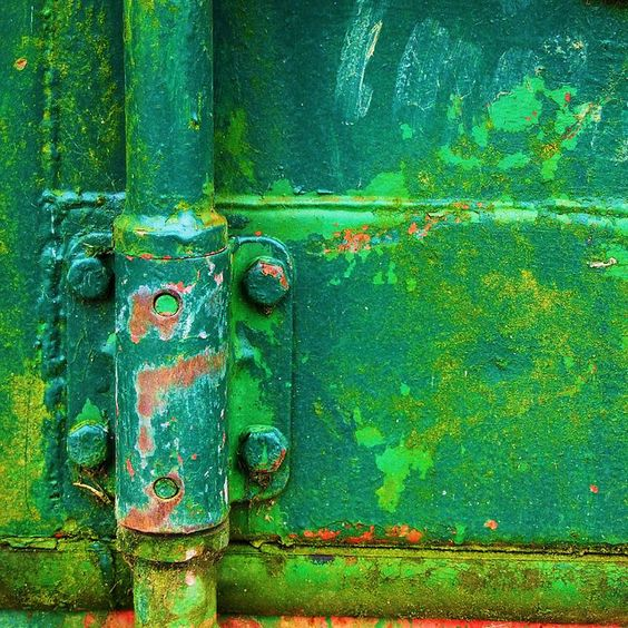 I am just a sucker for old rusty surfaces like this #green hinge