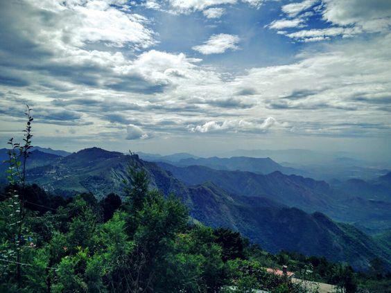 #viewgasmic #viewfromtheroom #thosecloudstho #bautifulvatta #crazyplace #livetotravel #oneplusonephotography