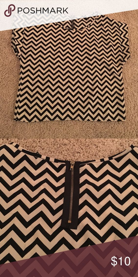 Chevron top Perfect condition worn once, chevron Black and Tan, zipper in back WINDSOR Tops